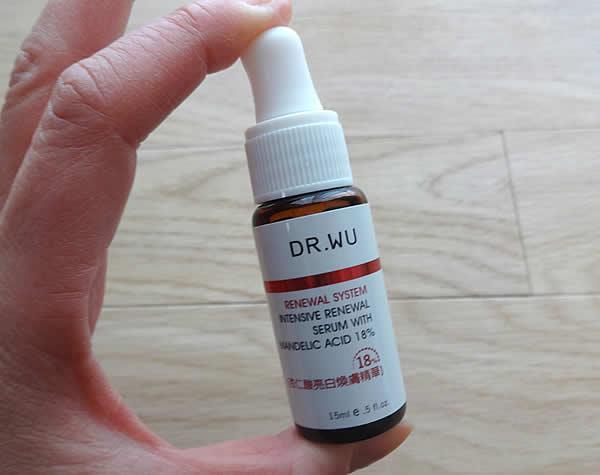 ドクターウー(DR.WU)のピーリング美容液「杏仁酸亮白煥膚精華」
